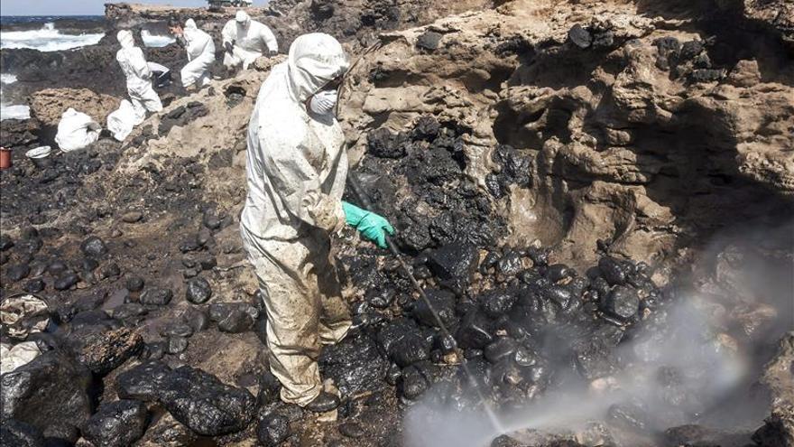 Un buque liberiano causó el vertido de julio de 2014 en la costa de Gran Canaria