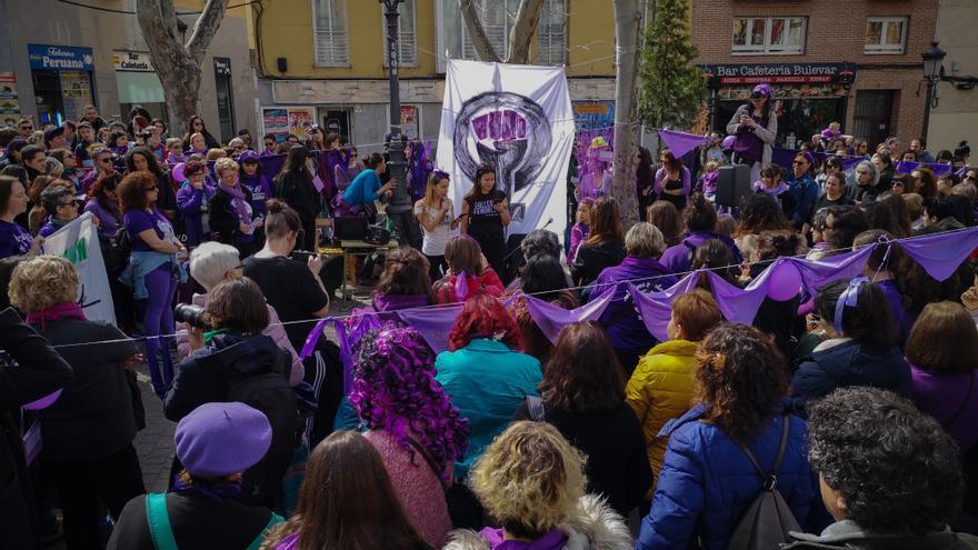 Una mañana festiva calienta los motores para las manifestaciones feministas del 8M
