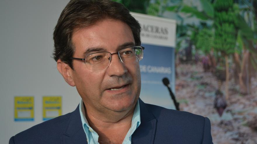 José Adrián Hernández.