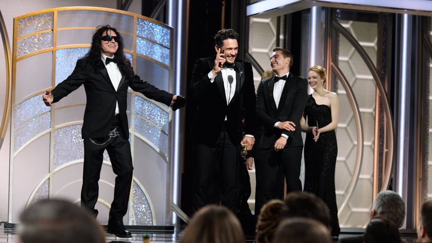 James Franco junto a Tommy Wiseau  recoge el Globo de Oro por The disaster artist