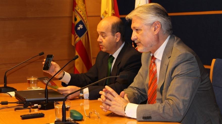José Manuel Larqué (en primer plano) es el actual tesorero del PP en Aragón y fue alcalde de Zuera de 1995 a 1999 y de 2007 a 2012