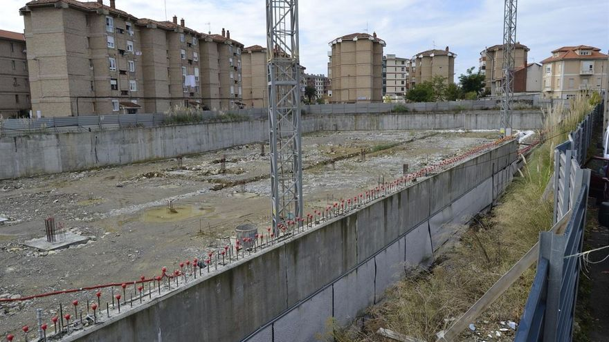 Las obras permanecen prácticamente paradas desde que se adjudicaron en el año 2009.