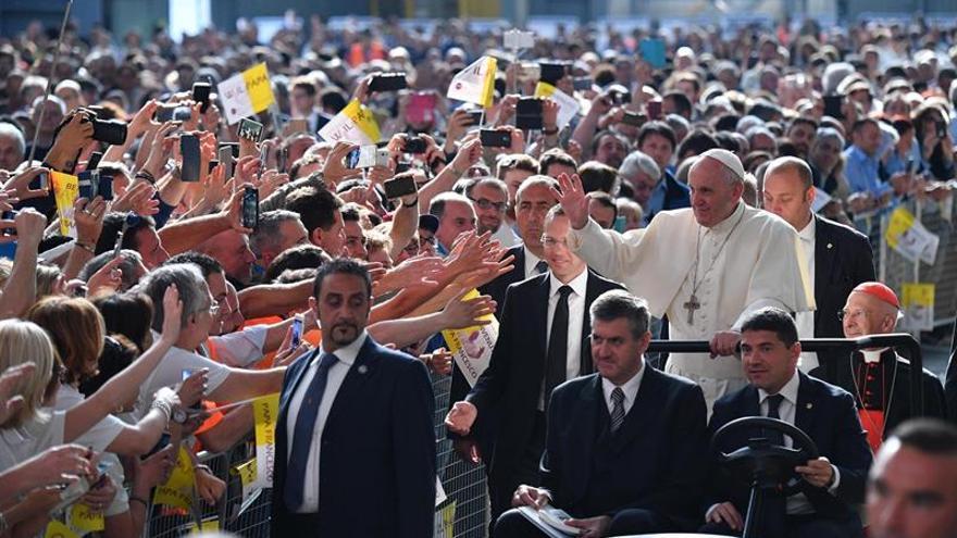 El papa nombra obispo prelado de la peruana Carvelí a Reinhold Nann