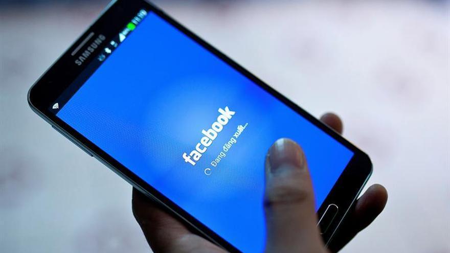 Piratas informáticos logran datos de acceso a 50 millones de cuentas de Facebook
