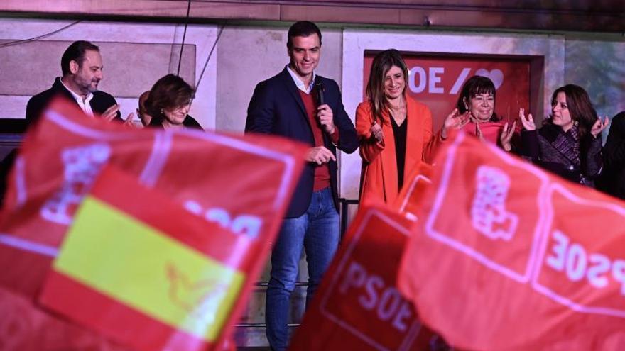 """Los militantes del PSOE dicen a Sánchez: """"Ahora sí, pero con la izquierda"""""""
