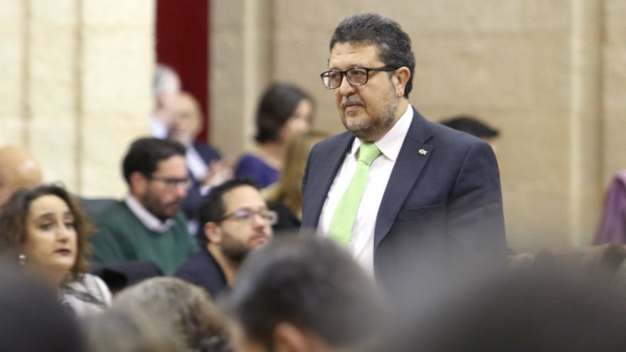 El presidente del grupo parlamentario Vox, Francisco Serrano.