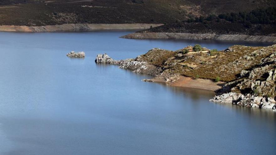 Un estudio mide los efectos que provocan los embalses en los caudales de ríos