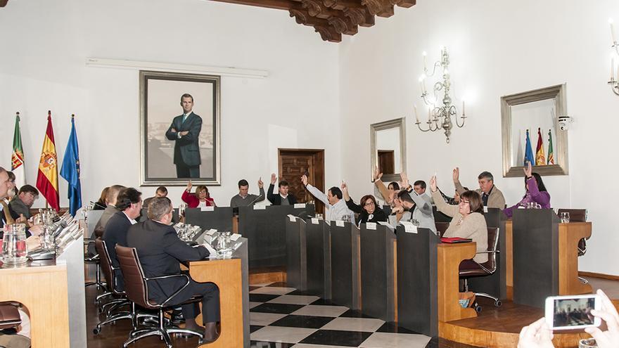 Pleno de la Diputación de Cáceres / www.dip-caceres.es