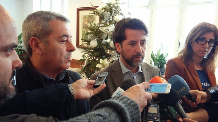 Carlos Alonso, durante su comparecencia este martes ante los medios