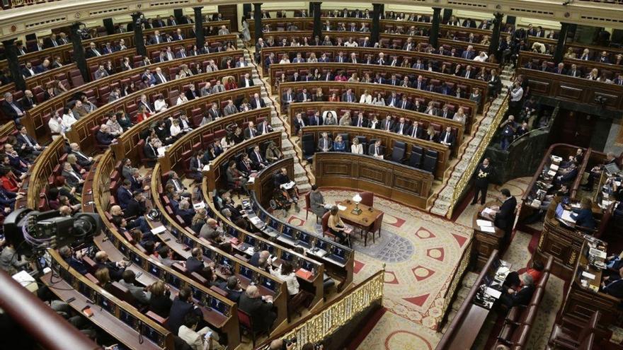 El Congreso no variará sus plenos por los Consejos de Ministros en martes, pero ofrece actualizar preguntas al Gobierno