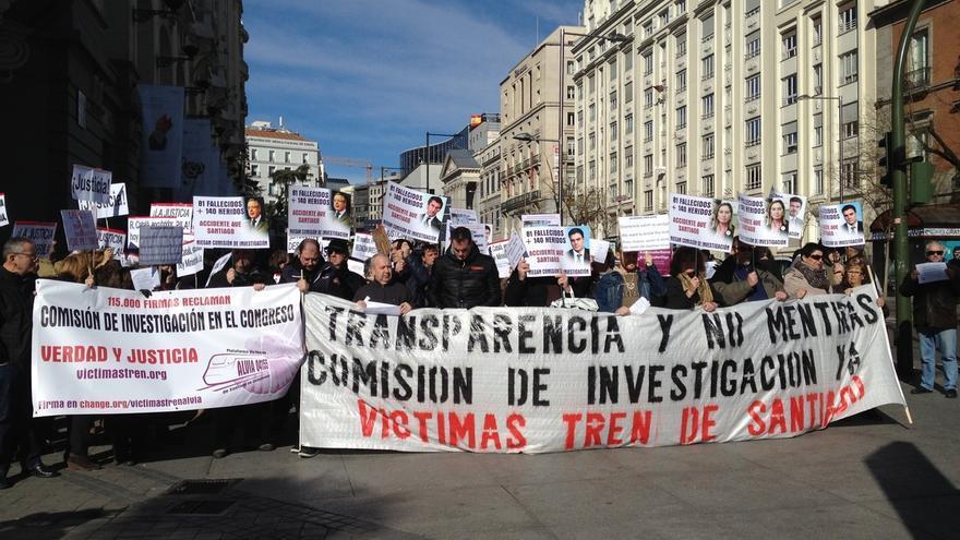 PSOE se compromete con las víctimas de Angrois a pedir una comisión de investigación en el Congreso sobre el accidente