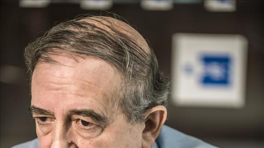 """Anasagasti dice que la democracia española precisa """"una regeneración de arriba a abajo"""""""
