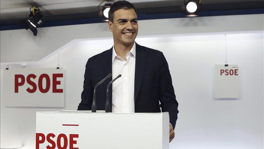 Sánchez exige a Rajoy un cambio en la hoja de ruta de sus políticas