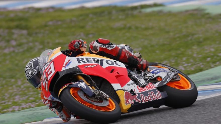 Marc Márquez pudo terminar su jornada de entrenamiento en Jerez pese a la caída