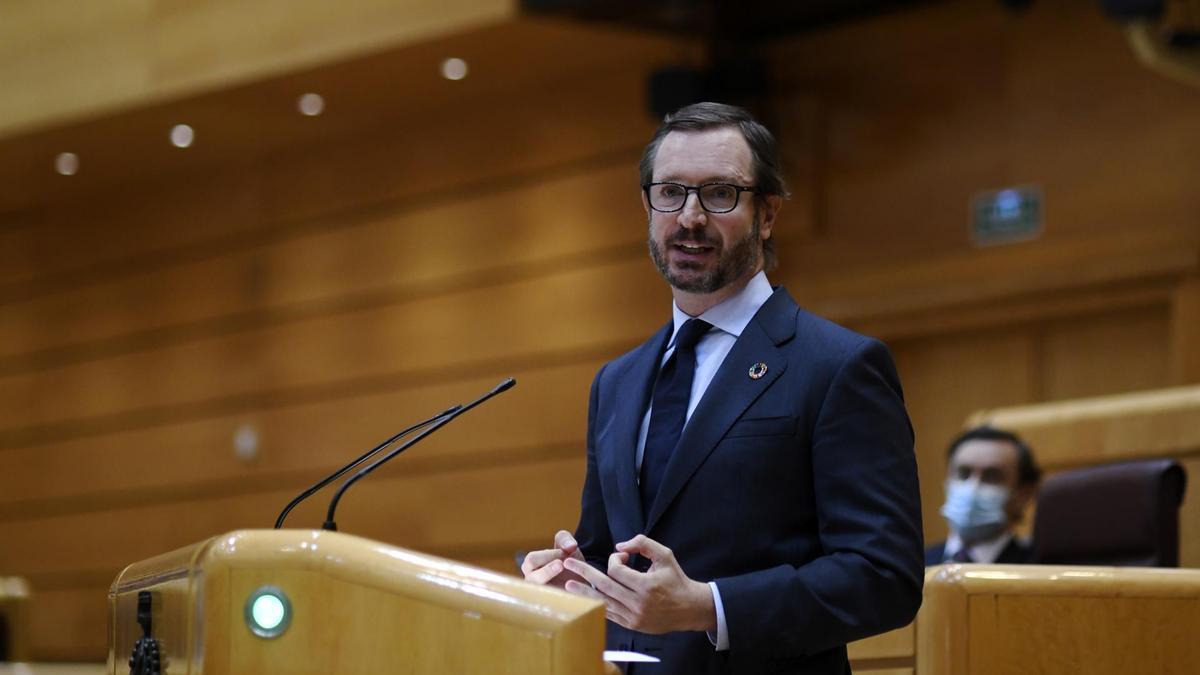 El portavoz del PP en el Senado, Javier Maroto, interviene durante una sesión plenaria en el Senado, en Madrid.