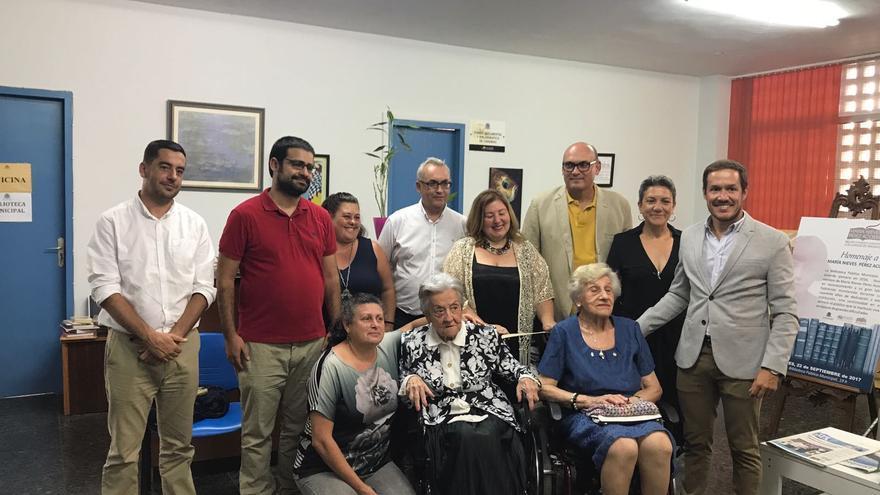 Un momento del acto de homenaje a María Nieves Pérez.