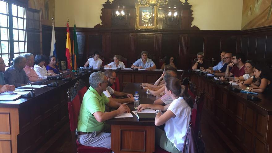 En la imagen, constitución de la Mesa Local por el Empleo de Los Llanos.