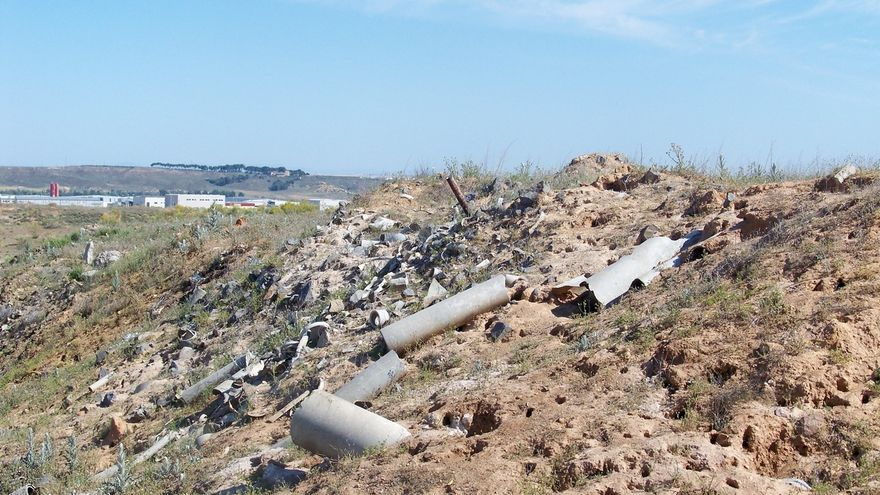 Podemos y PP instan a Junta a realizar un plan para retirar residuos de amianto y estudiar su presencia en C-LM