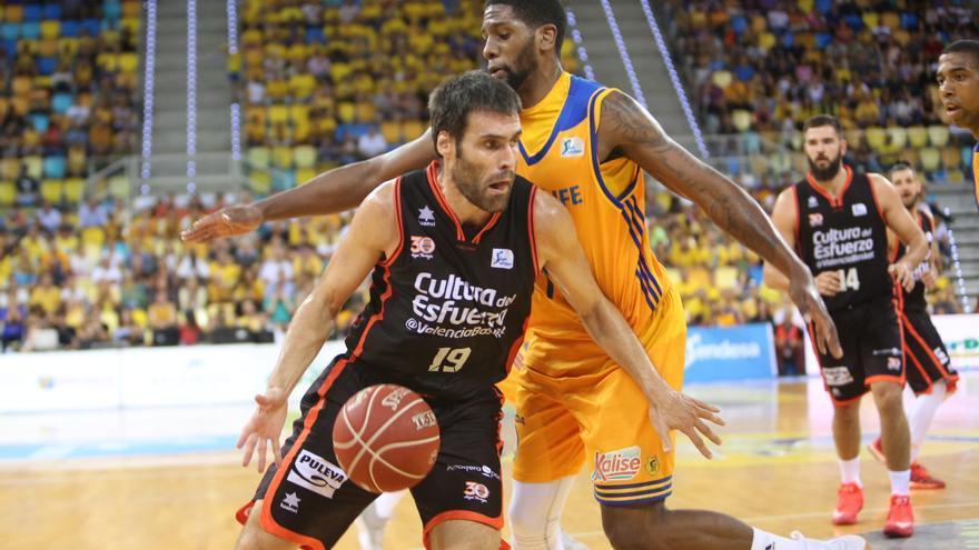 Imagen del encuentro entre el Herbalife Gran Canaria y el Valencia Basket.