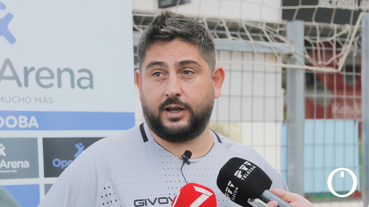 Josan González en una rueda de prensa