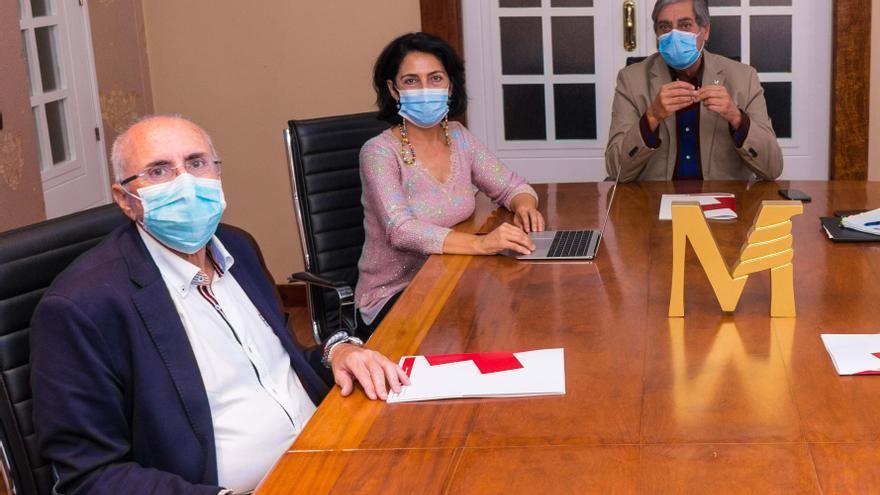 El Colegio de Médicos de Las Palmas impulsa una bolsa de voluntariado médico ante la crisis migratoria