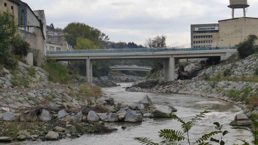 El nuevo puente de Urbi en Basauri (Bizkaia), se abrirá este viernes