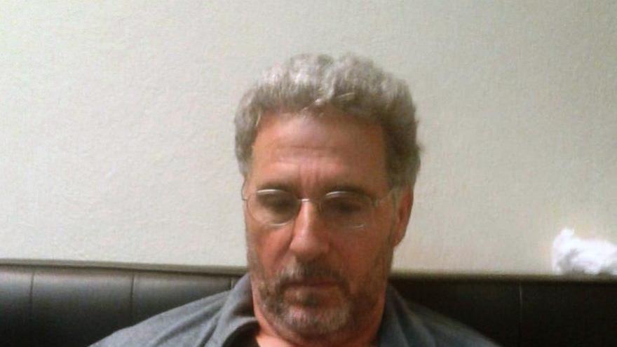 Imagen sin fechar y cedida por la Policía italiana que muestra al jefe de 'Ndrangheta, la mafia calabresa, Rocco Morabito, tras ser arrestado en Uruguay.