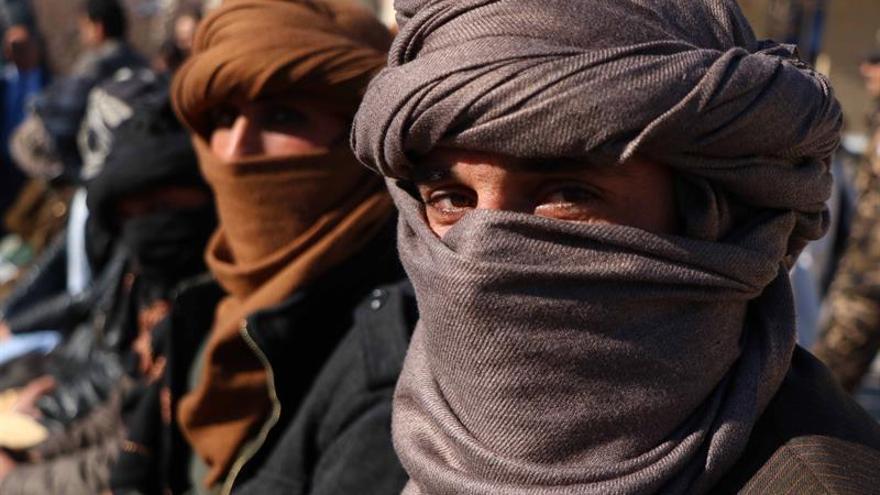 Talibanes posponen encuentro con EEUU en Pakistán por limitaciones de viaje