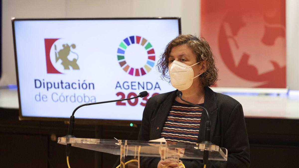 Archivo - La delegada de Igualdad de la Diputación de Córdoba, Alba Doblas, en rueda de prensa