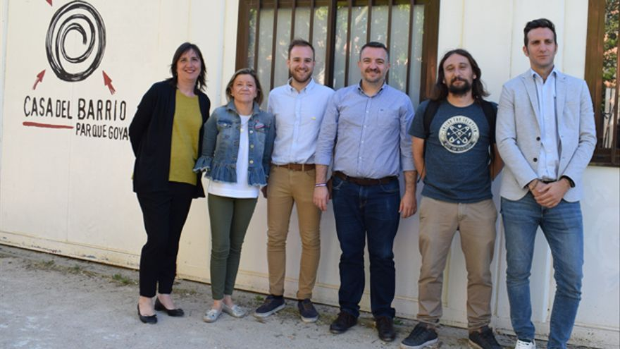 Participantes en el debate organizado por la Asociación de Vecinos Parque Goya