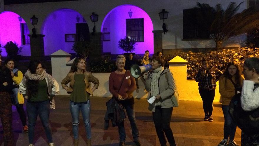 Mujeres feministas de Los Llanos este viernes.