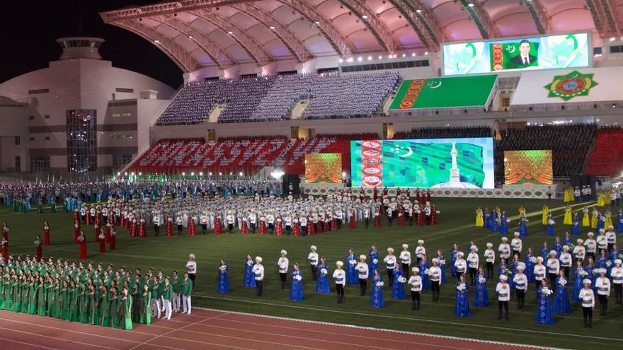 Acto patriótico y de exaltación del dictador celebrado en Ashgabat.