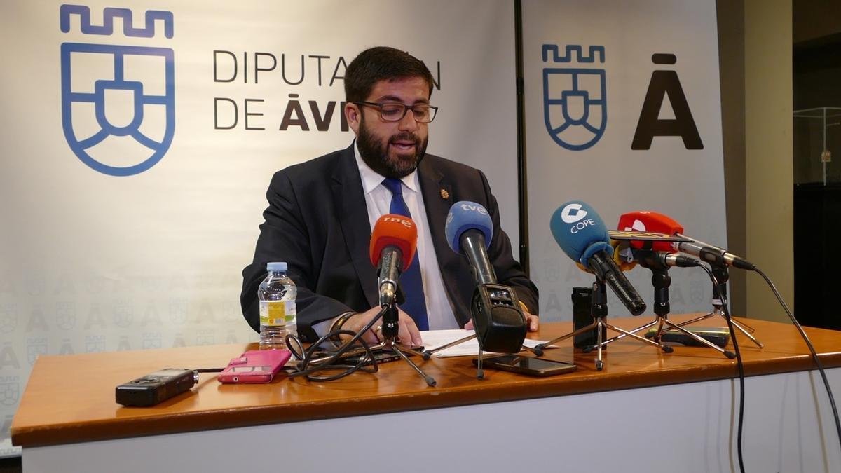 El alcalde de Ávila, Jesús Sánchez Cabrera (Por Ávila).