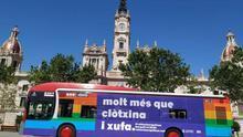 Uno de los buses de la EMT con el lema de la campaña.