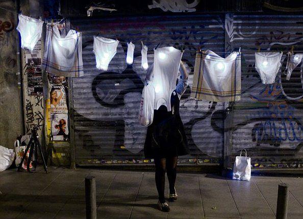 Tendiendo en la calle | Foto: GUSTAVO SANABRIA