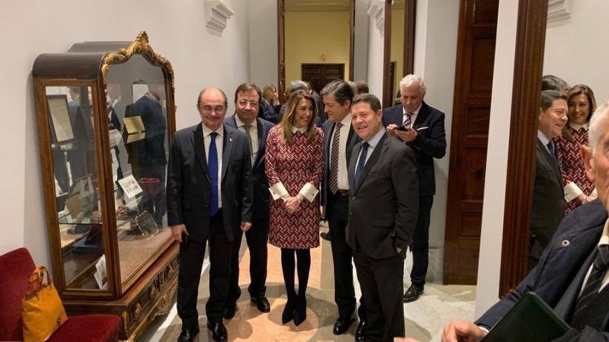 El presidente de Aragón, Javier Lambán, junto a otros presidentes autonómicos