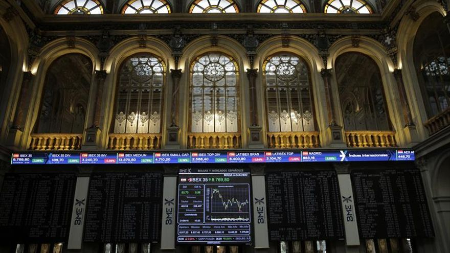 La Bolsa española abre con ganancias del 0,81 % y alcanza los 8.835 puntos