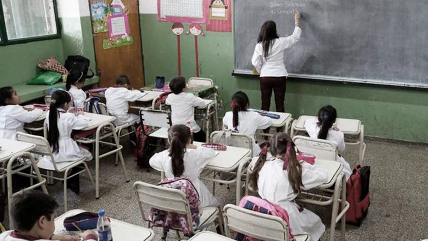 La discusión gira eludiendo la voz de quienes están cotidianamente en la escuela
