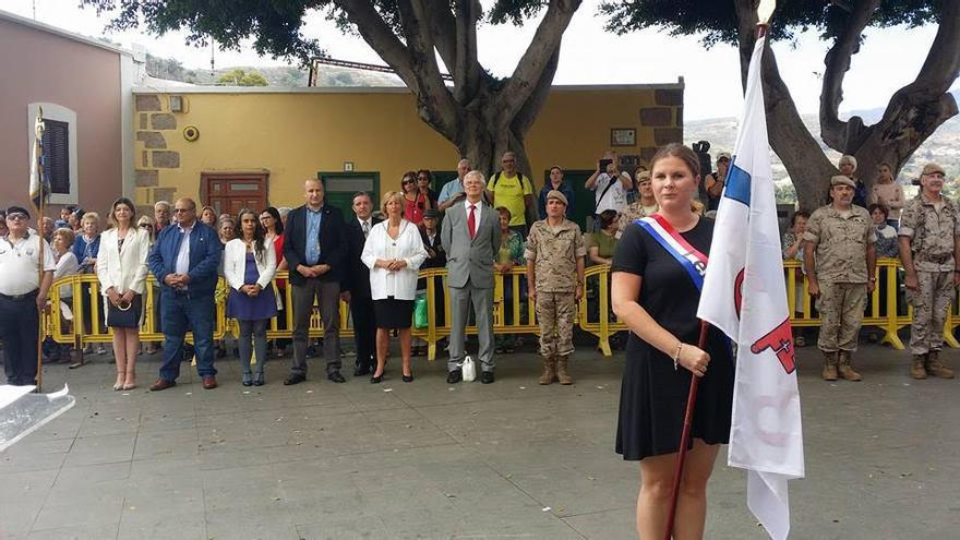 Acto con la participación de las autoridades locales de Santa Brígida, el Canarias 50, Agrupación folclórica San Antonio y representantes de la comunidad holandesa.