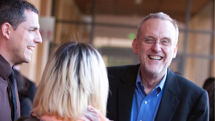 """El periodismo tiene """"muchos"""" futuros, dice director becas Knight de Stanford"""