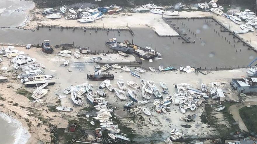 """Dorian se aleja de Bahamas tras causar la """"peor catástrofe en la historia"""""""