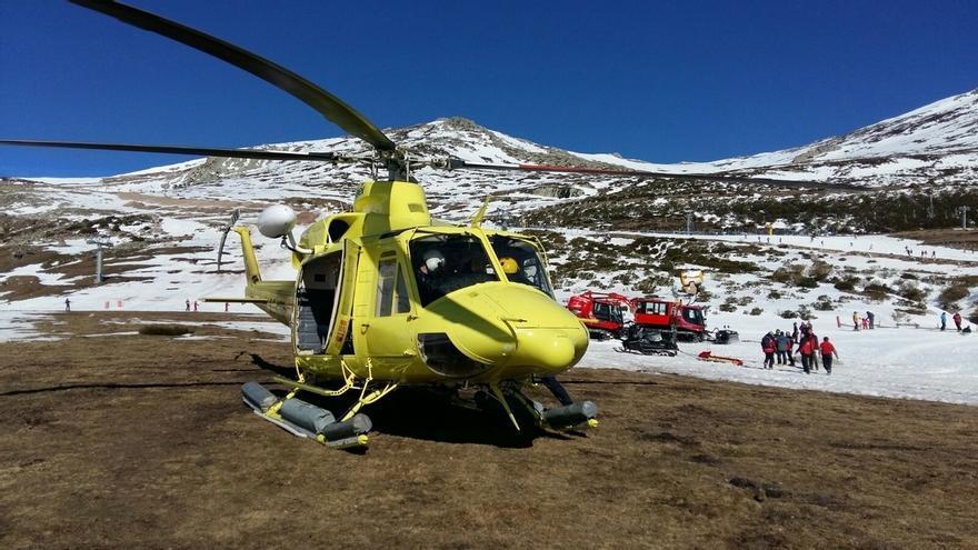 Evacúan en helicóptero a un esquiador herido en Alto Campoo