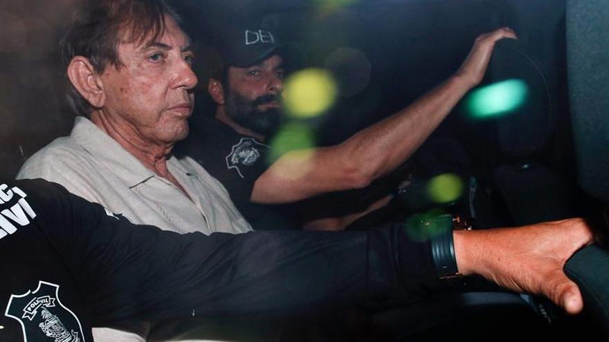 """El médium brasileño acusado de abusos dice que """"Dios"""" guiaba sus tratamientos"""