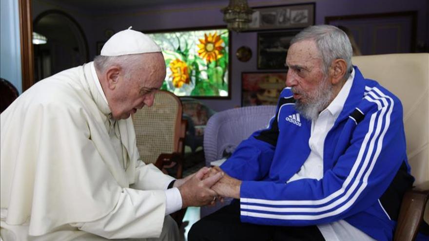 """El papa y Fidel """"parecía que se conocían de toda la vida"""", dice Álex Castro"""