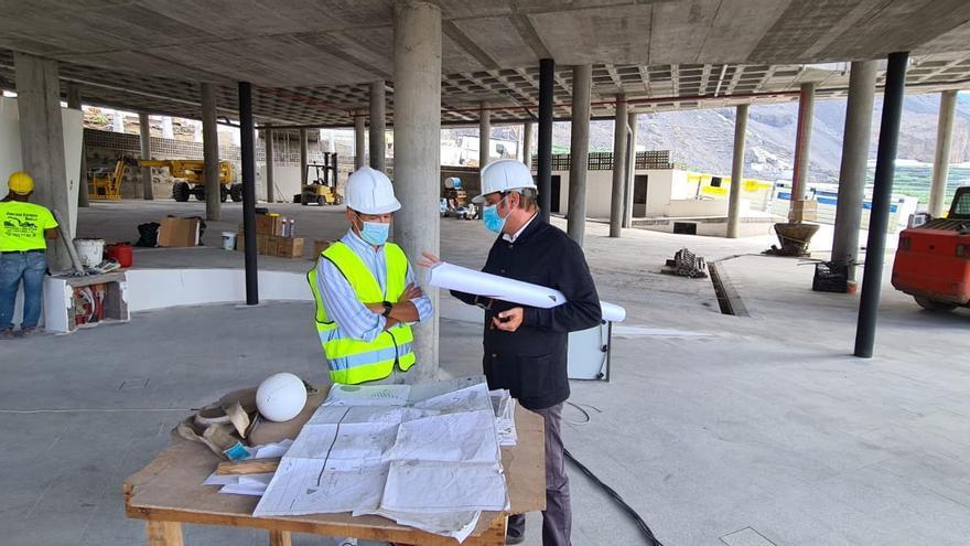 La obra de la parada de guaguas de Puerto Naos concluirá en diciembre