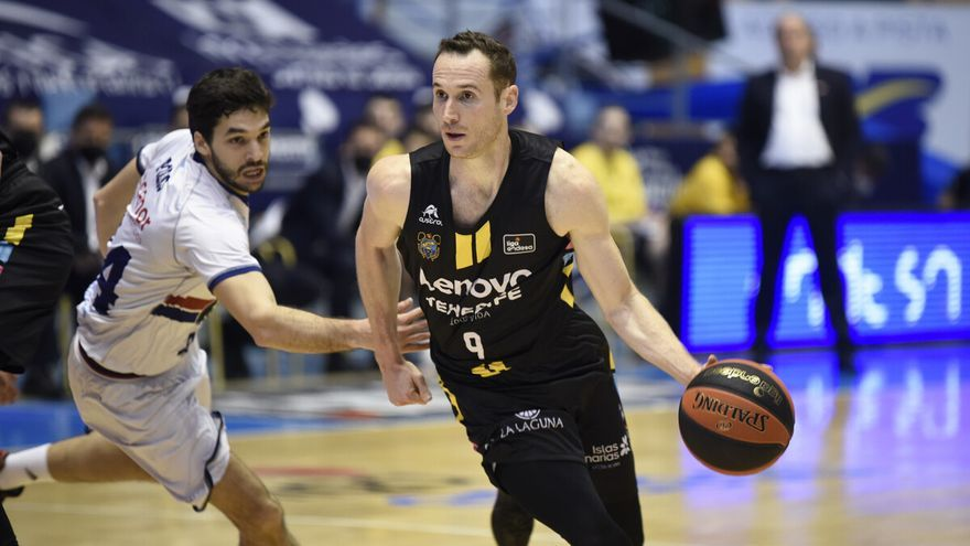 El Lenovo Tenerife retoma la Liga ACB con victoria frente al Obradoiro