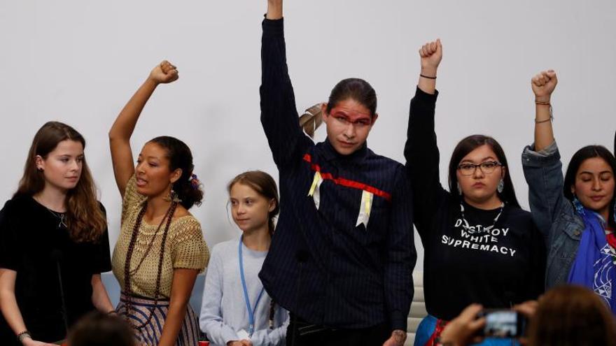 Niñas y jóvenes tratan de encontrar su sitio en la Cumbre del Clima
