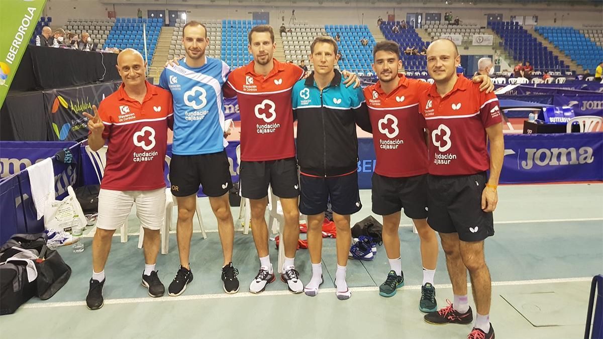 Jugadores del Cajasur Priego celebrando el pase a la final