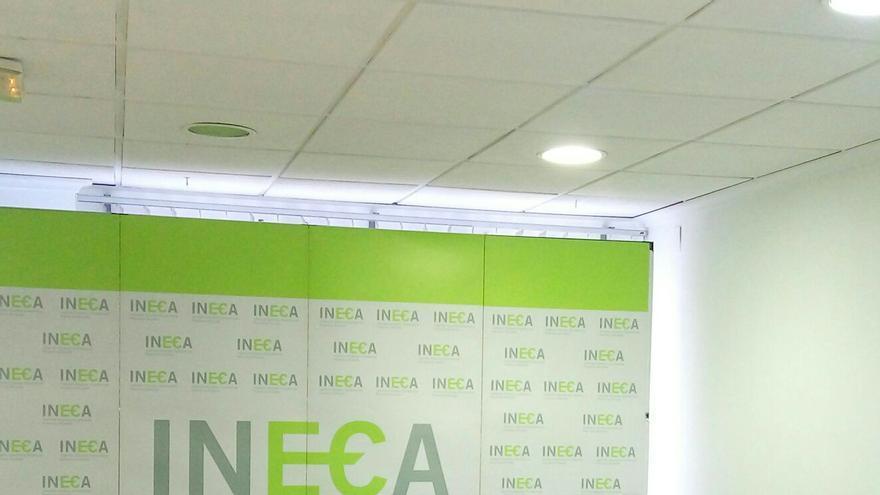 Melgarejo, Palacio y Llopis en la presentación del informe de INECA