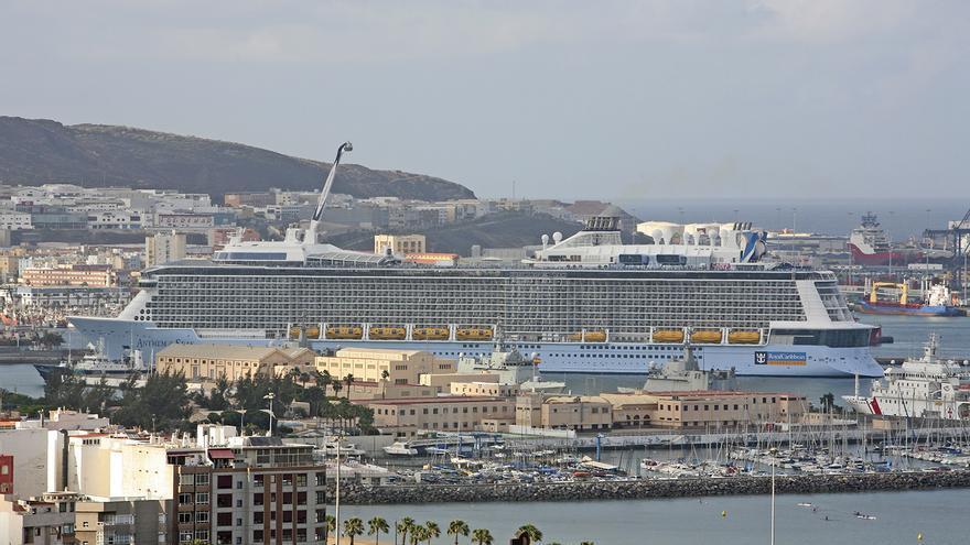 El Puerto de La Luz y de Las Palmas recibe al crucero 'Anthem of The Seas'. Foto: Alejandro Ramos
